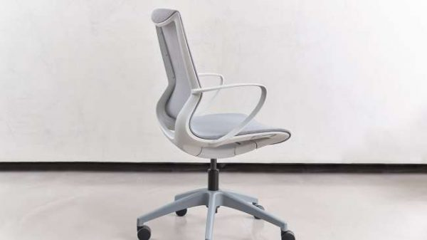 ofs pret executive alan desk 1