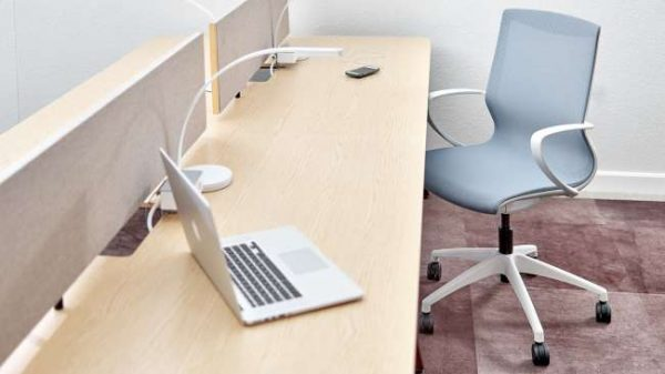 ofs pret executive alan desk 4