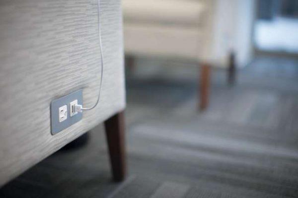 ofs rein guest multi use alan desk 1 1