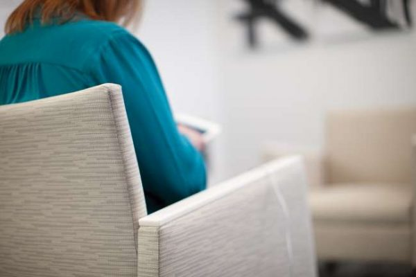 ofs rein lounge alan desk 2