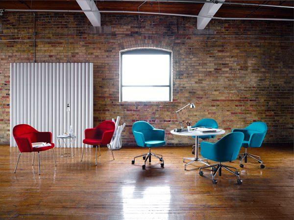 collo keilhauer alan desk 5 <ul> <li>available in multiple textiles & com</li> <li>arm or armless option</li> <li>5 star aluminum base or nylon base available in black, warm grey, and dark grey</li> <li>available as a guest & lounge chair</li> </ul>