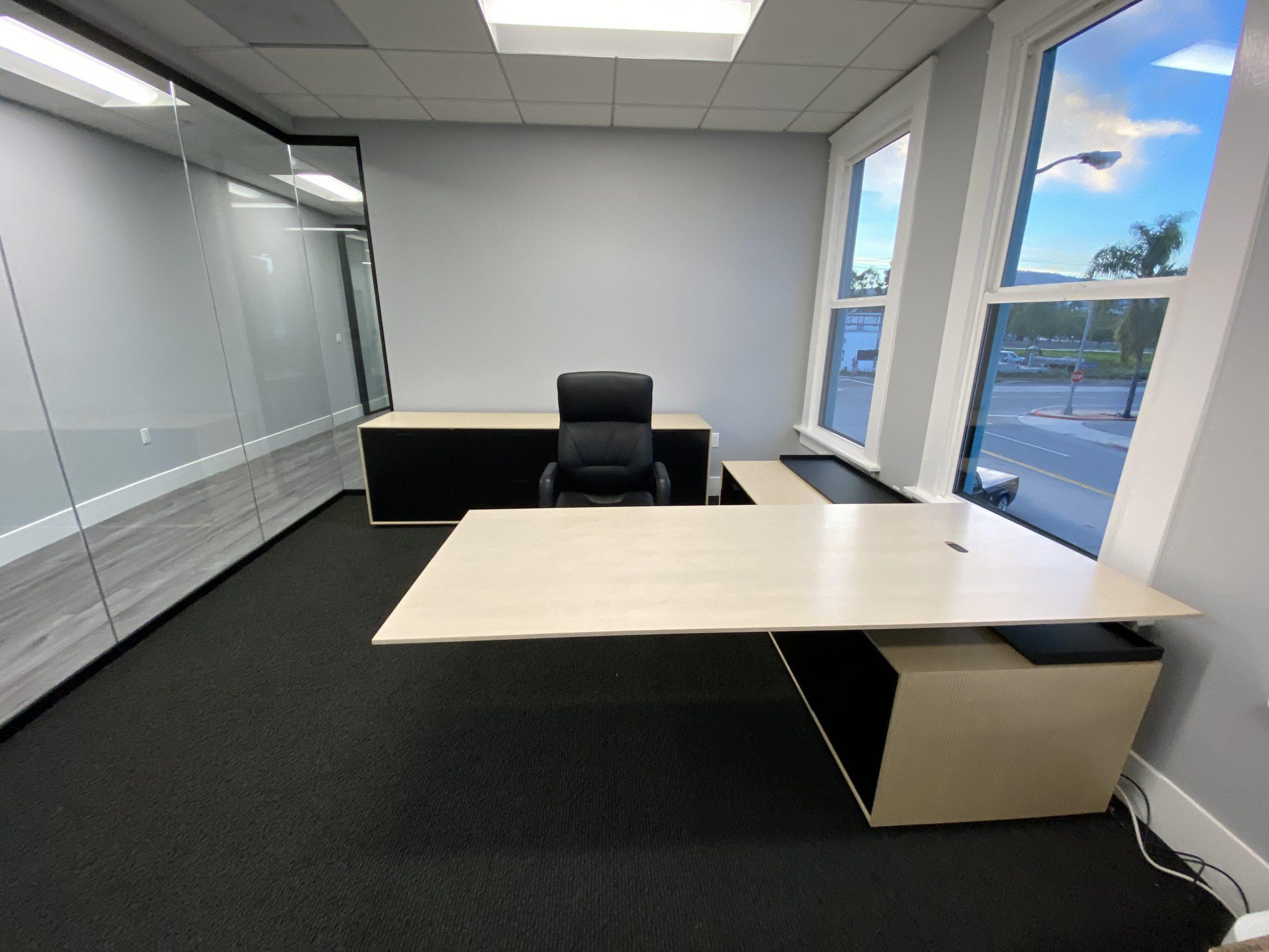 Halo Desk