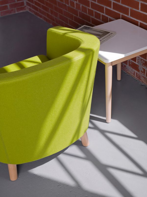 km round back lounge seating keilhauer alan desk 2
