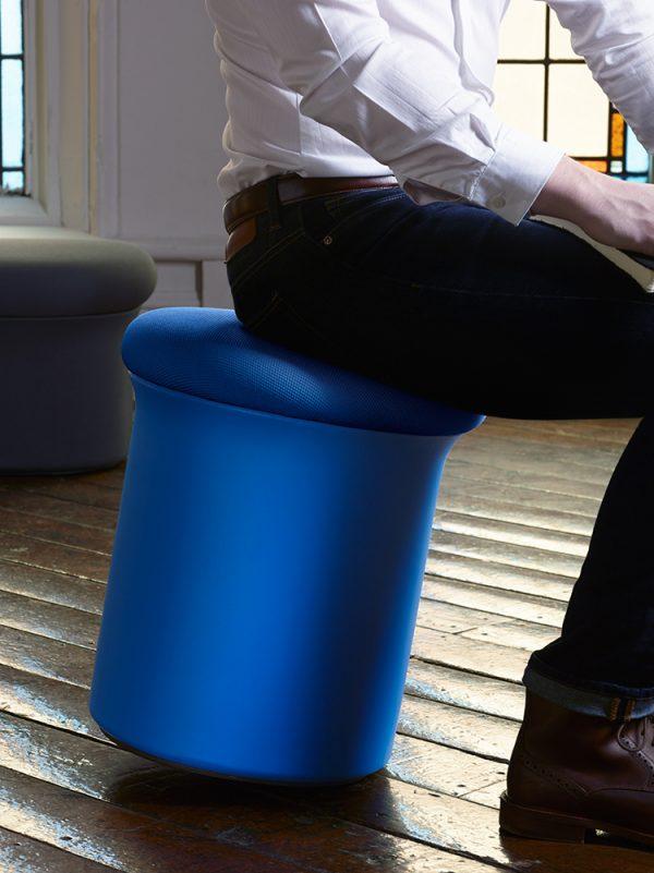 doko lounge seating keilhauer alan desk 7