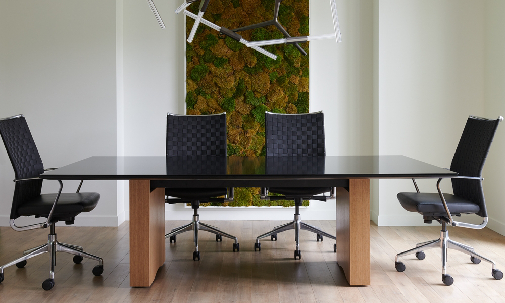 flow-conference-table-black-glass-top-oak-linea-rectangle-base-with-chairs_md