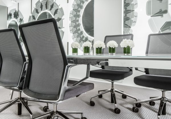 keilhauer 2694 showroom lowres 1 <ul> <li>available armless or with arms (with or without armcaps)</li> <li>aluminum, nylon, or jury base, and a work stool height option</li> <li>aluminum frames and bases are available polished or powder-coated in four colors: black, dark grey, warm grey, and white</li> <li>nylon bases, mesh carriers, and arm caps are vailable in black, dark grey, and warm grey</li> </ul>