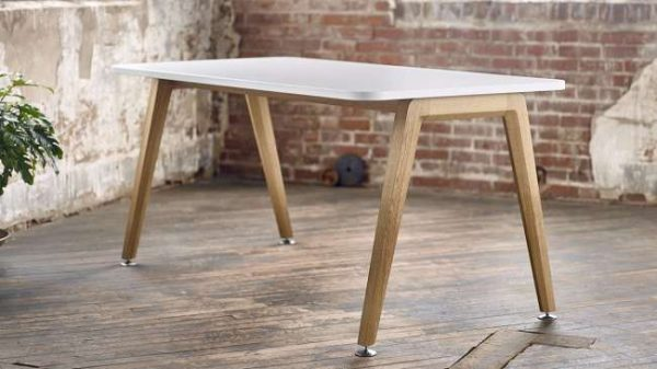 ofs elevenables cafe dining alan desk 11 <ul> <li>available as a community, meeting, and conference table</li> <li>materials: wood veneer, laminate, and solid surface tops</li> </ul>