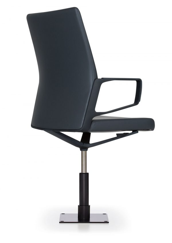 aesync stool keilhauer alan desk 2