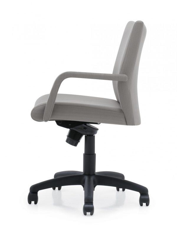 panam management seating krug alan desk 30 scaled