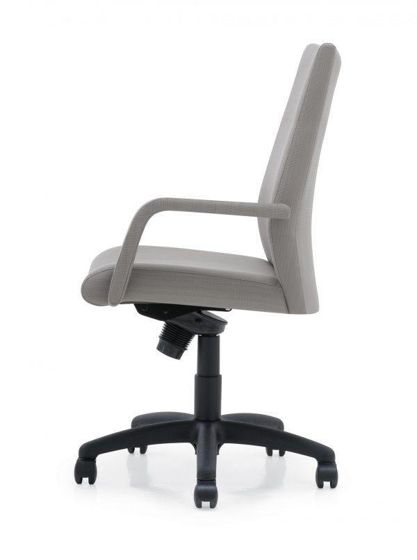 panam management seating krug alan desk 35 scaled