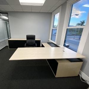 Halcon Halo Executive Desk